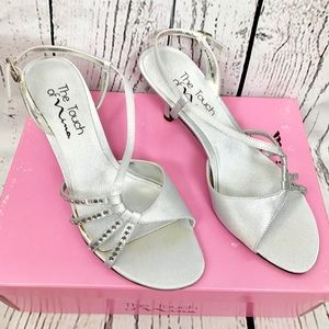THE TOUCH OF NINA silver satin rhinestone heels